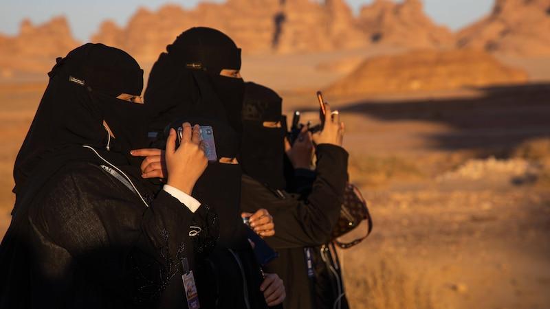 Frauenrechte Saudi Arabien: Was Frauen dürfen und was nicht