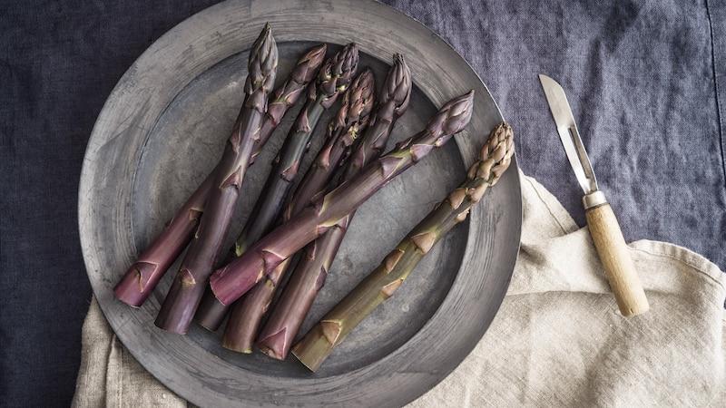 Violetter Spargel: Herkunft und Zubereitung der Delikatesse