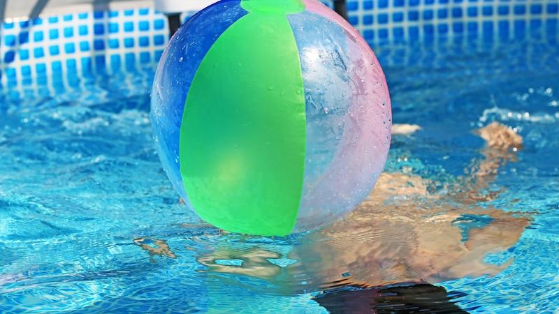 Würmer im Pool: Was Sie dagegen tun können