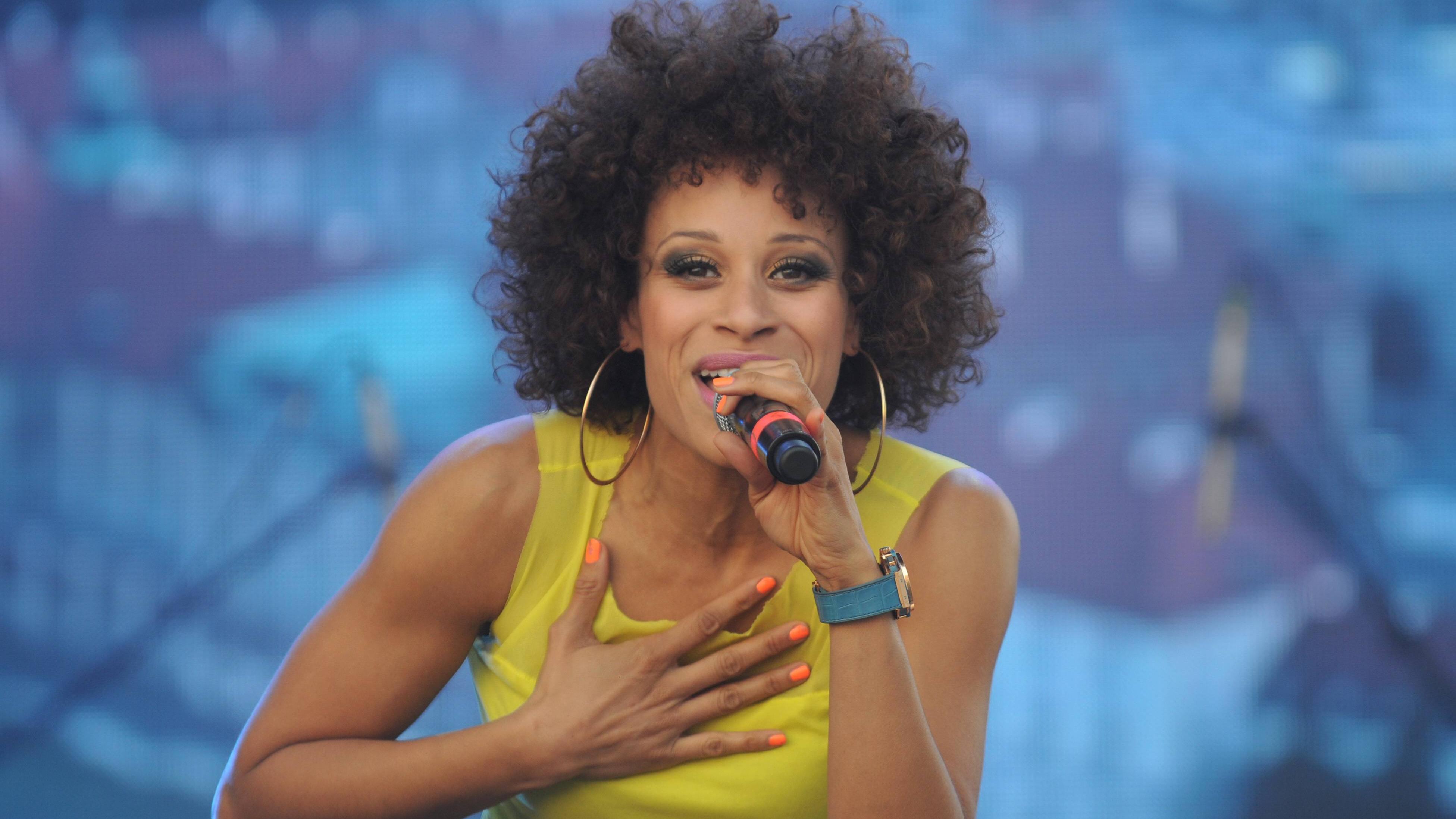 """Die deutsche Sängerin Oceana sang den EM Song """"Endless Summer"""" 2012."""
