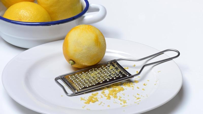 Zitronenschale verwerten: Tipps, Ideen und Möglichkeiten