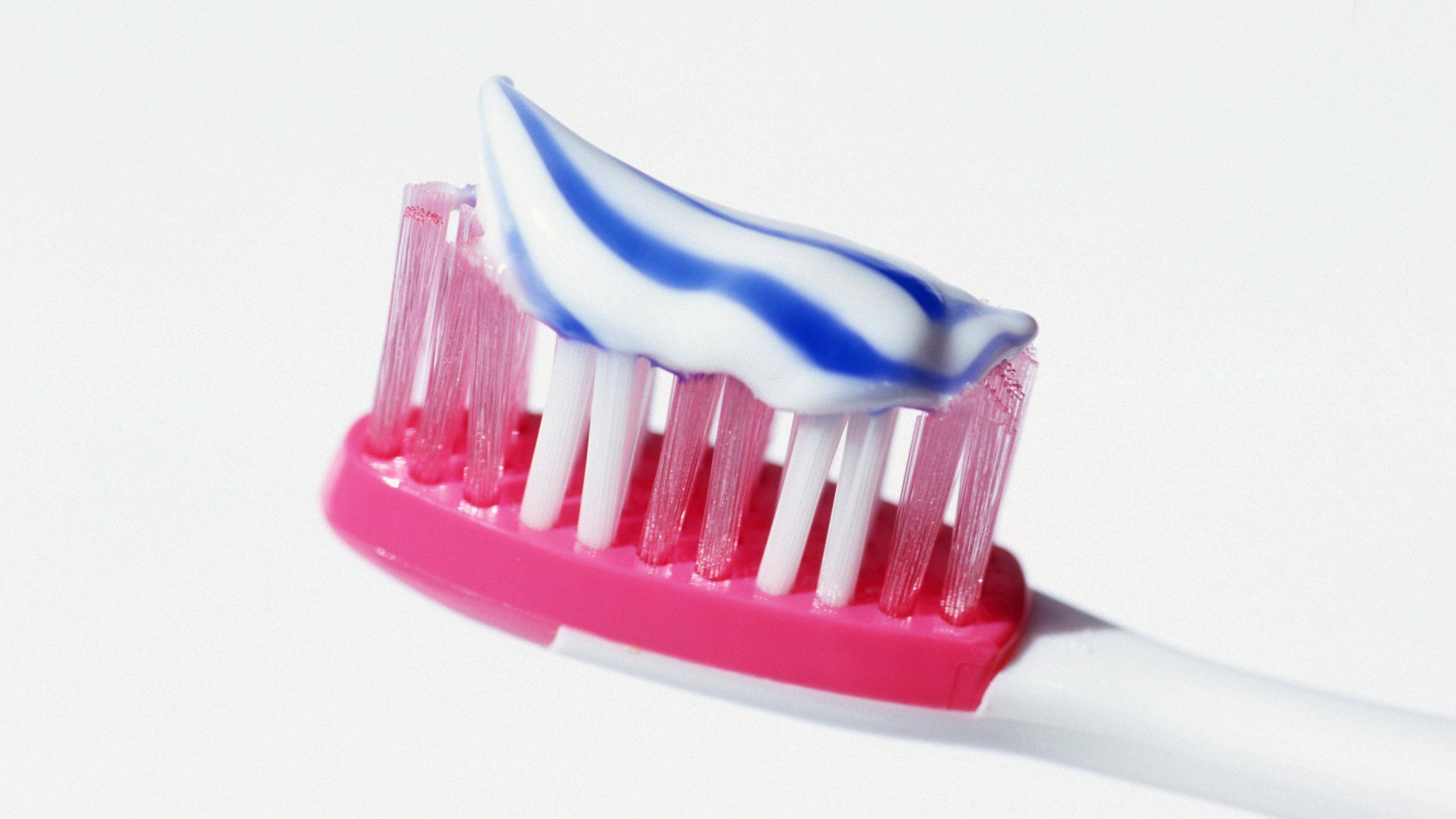 Zahnfleischbluten beim Zähneputzen verhindern: So kann es gelingen