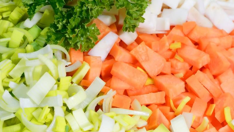Suppengemüse lässt sich mit Salz lange haltbar machen.