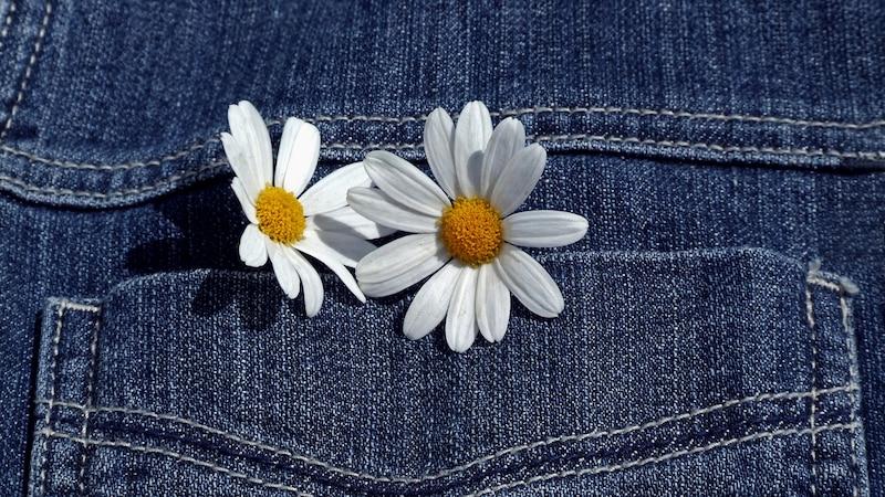 Mit unseren Tipps werden Sie Ihre Jeans im Handumdrehen aufpeppen und können Sie ganz individuell gestalten.