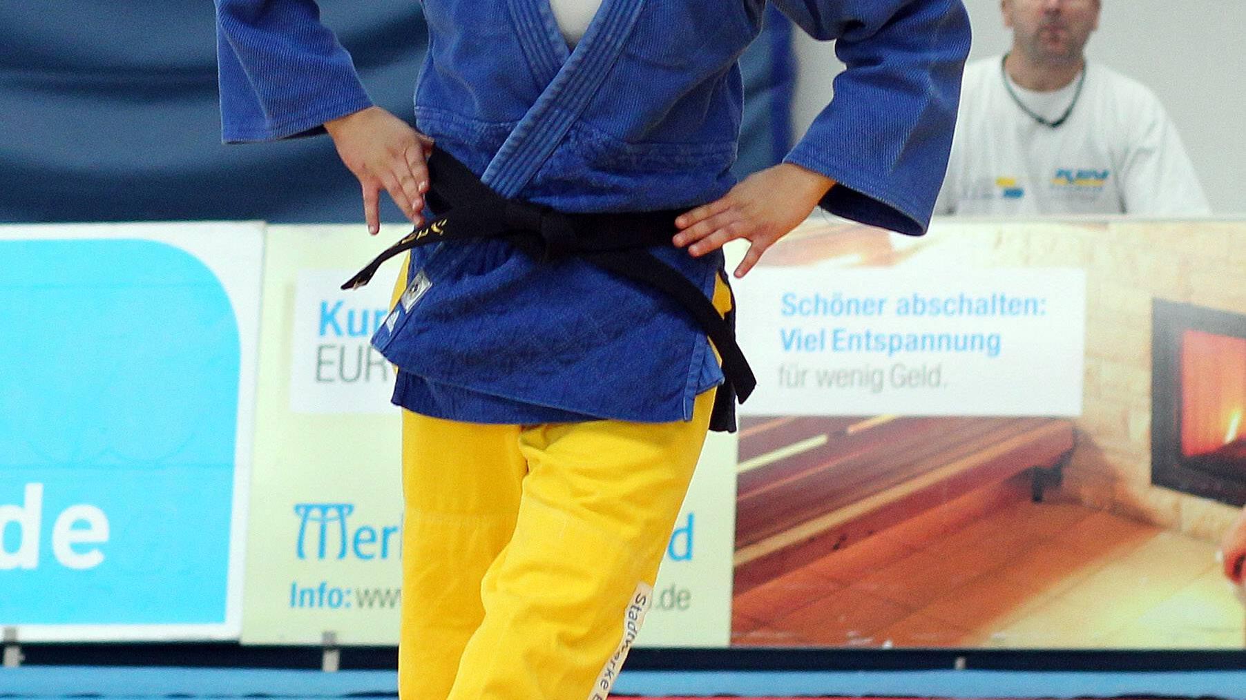 Der Judogürtel gibt Aufschluss über den Fortschritt eines Schülers. Schwarze Gürtel sind die ranghöchsten in der Reihenfolge.