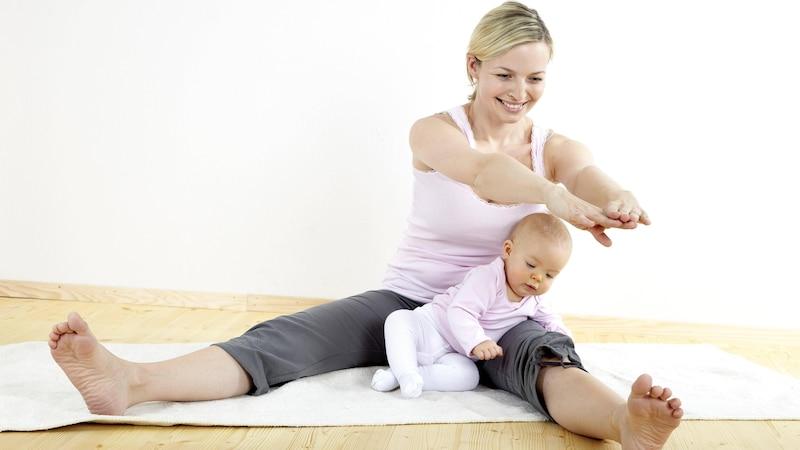 Fit mit Baby: Diese Möglichkeiten gibt es
