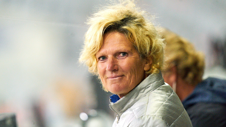 ZDF-Sportreporterin Claudia Neumann: Laufbahn, Kritik und Sexismus-Debatte