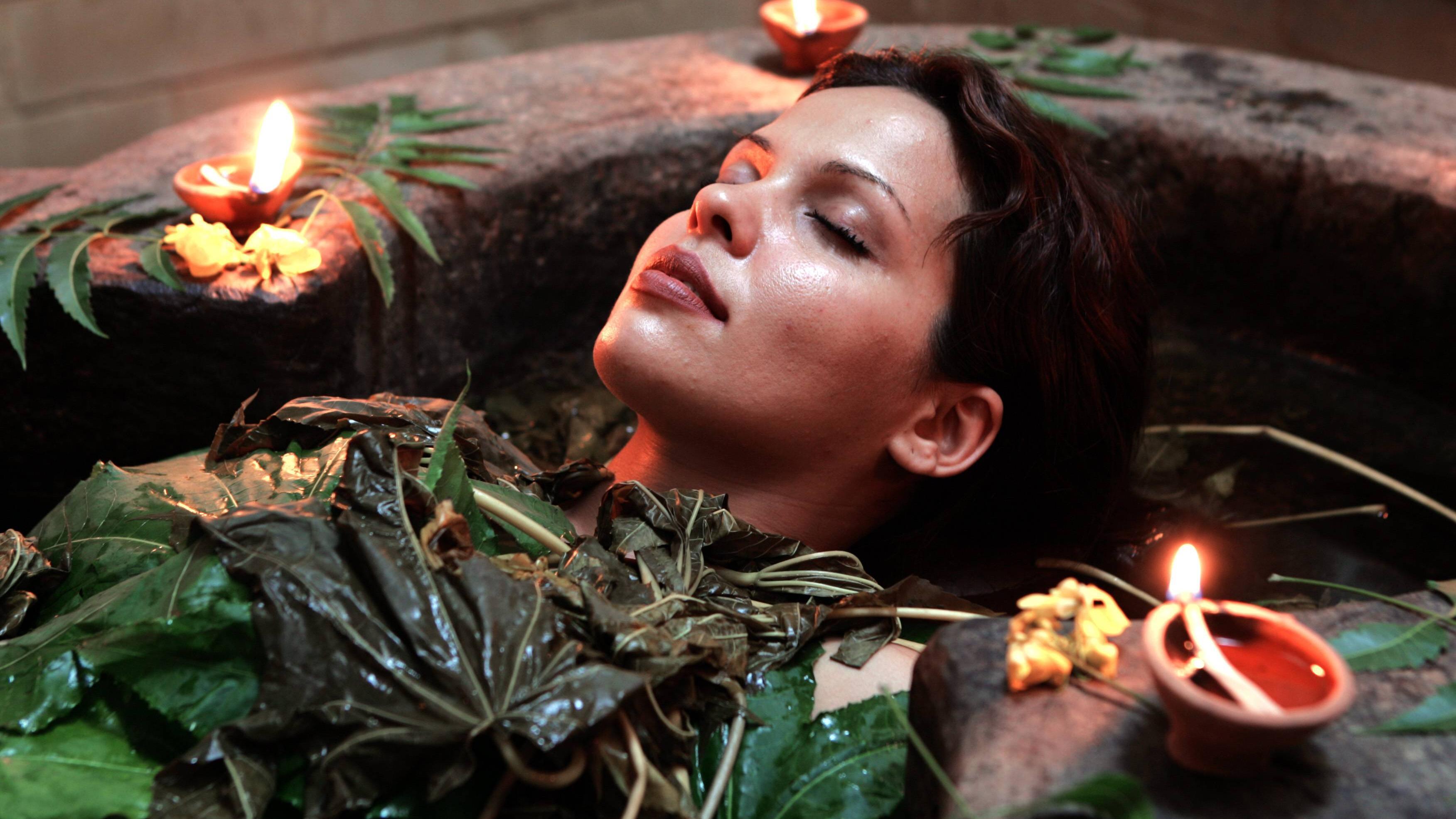 Die Vollmondphase eignet sich gut für Self-Care und Wellness-Rituale.