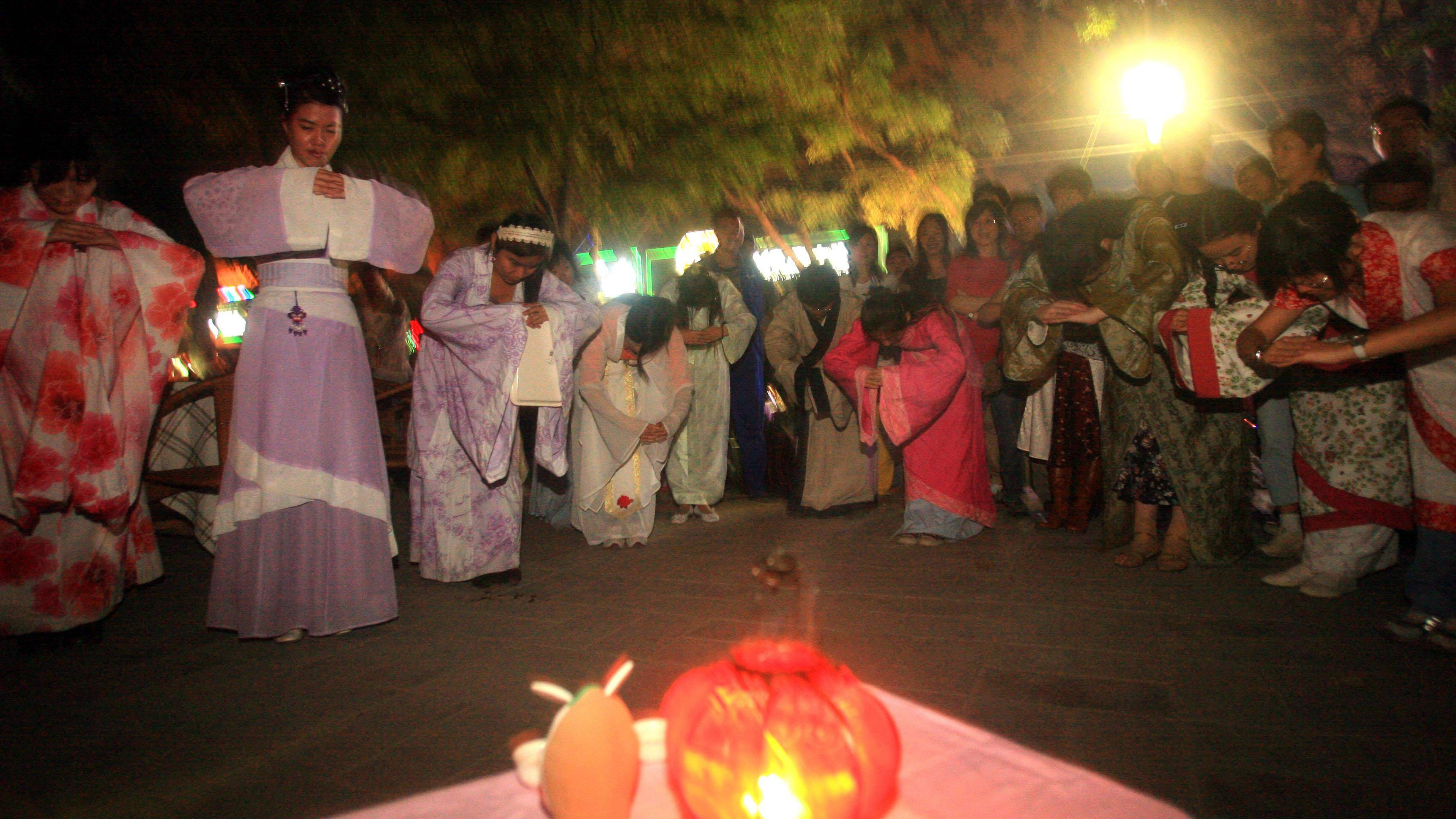 Die Bedeutung des Vollmondes wird  in China besonders am Mondfest geehrt.