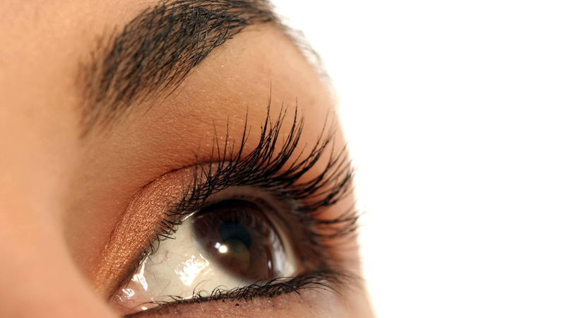 Augen größer schminken: Anleitung und Praktische Tipps