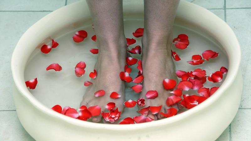 Basisches Fußbad mit Natron zur Entgiftung