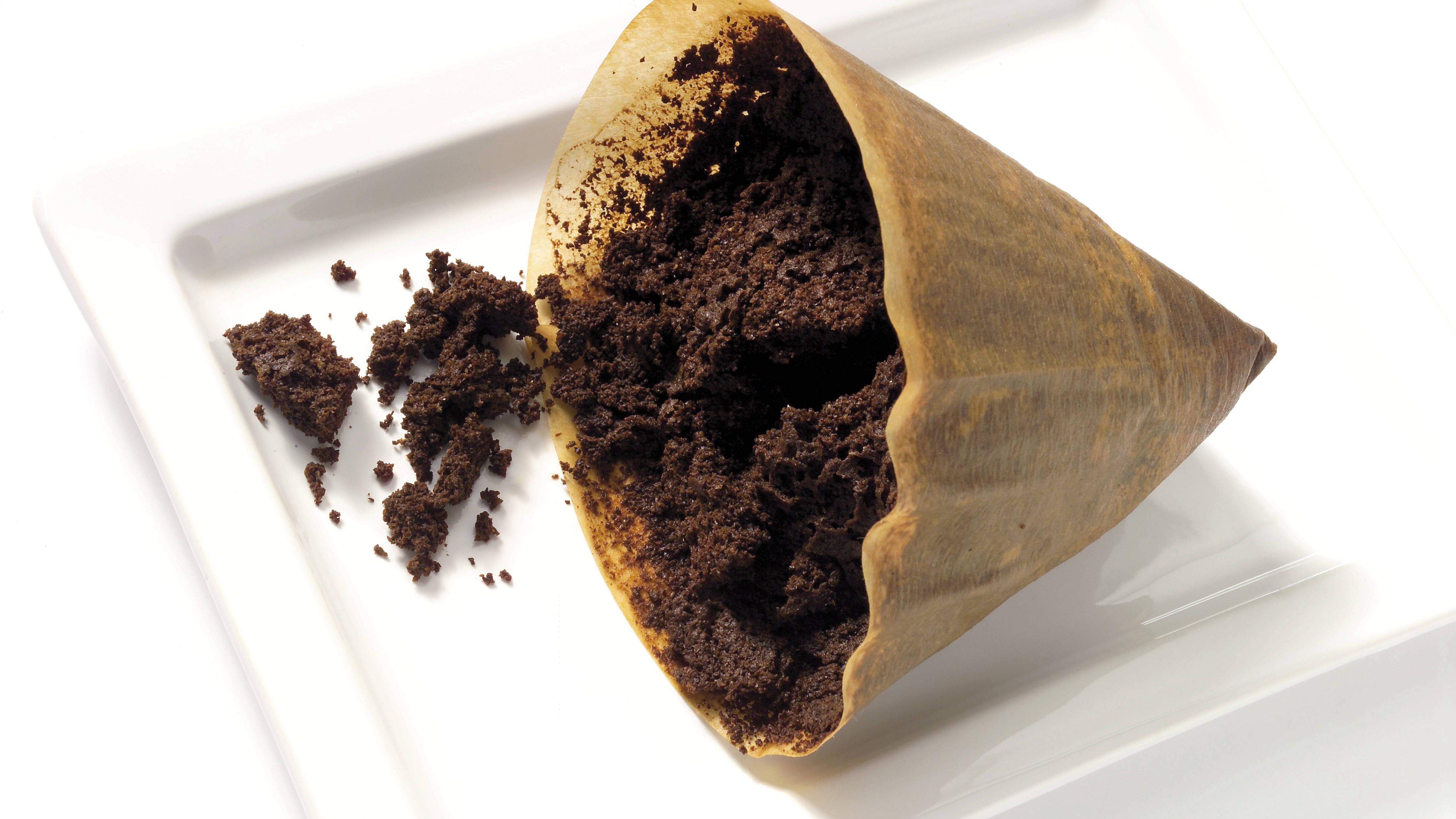 Kaffee-Peeling selber machen: 3 Rezepte für schöne Haut