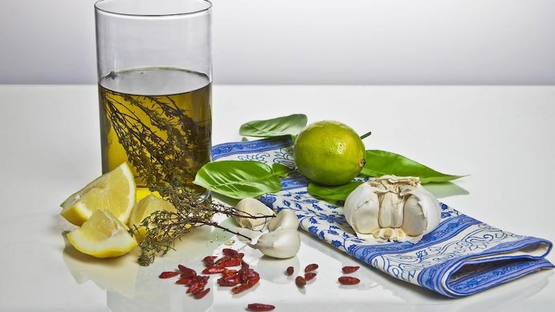 Die Zitronen-Olivenöl-Kur: Wirkung und Tipps zur Durchführung