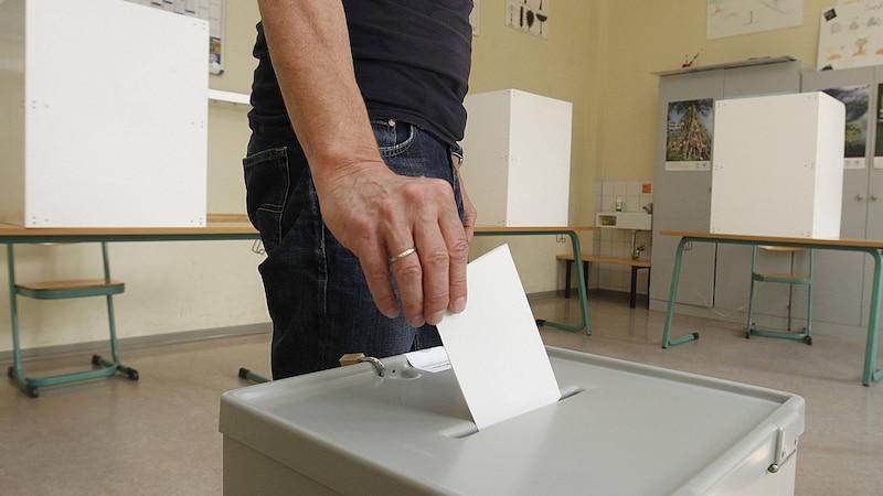 In Deutschland gibt es keine Mindestwahlbeteiligung, die Wahlbeteiligung spielt keine Rolle bei der Gültigkeit der Wahl.