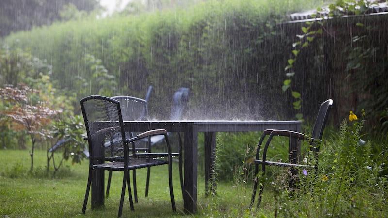 Wenn Sie Ihren Garten gegen ein Gewitter sicher machen möchten, sollten Sie gut vorplanen.