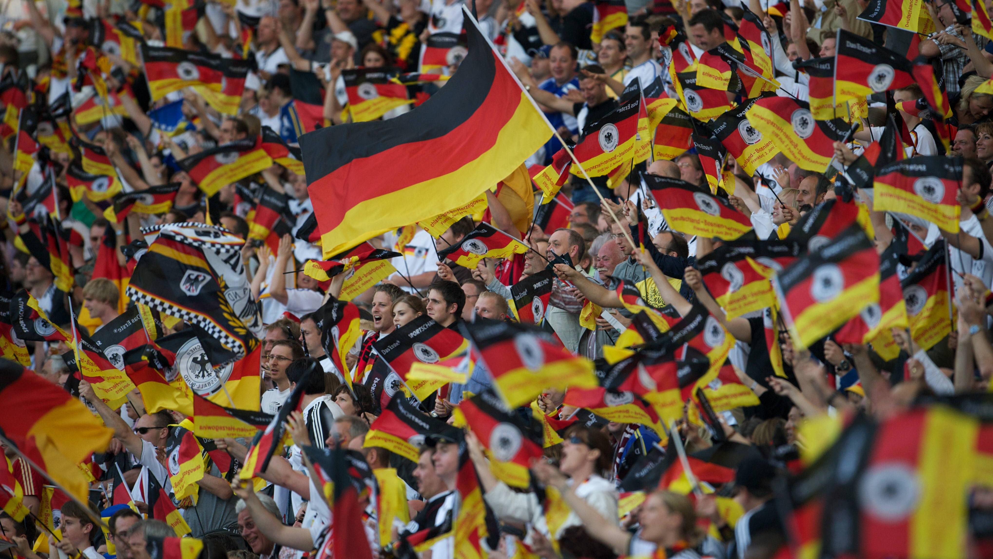 """Als Deutschland die Europameisterschaft gewann, war der Song """"We're in this together"""" die offizielle Hymne."""