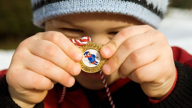 Medaille mit Kindern basteln: Die besten Tipps und Tricks