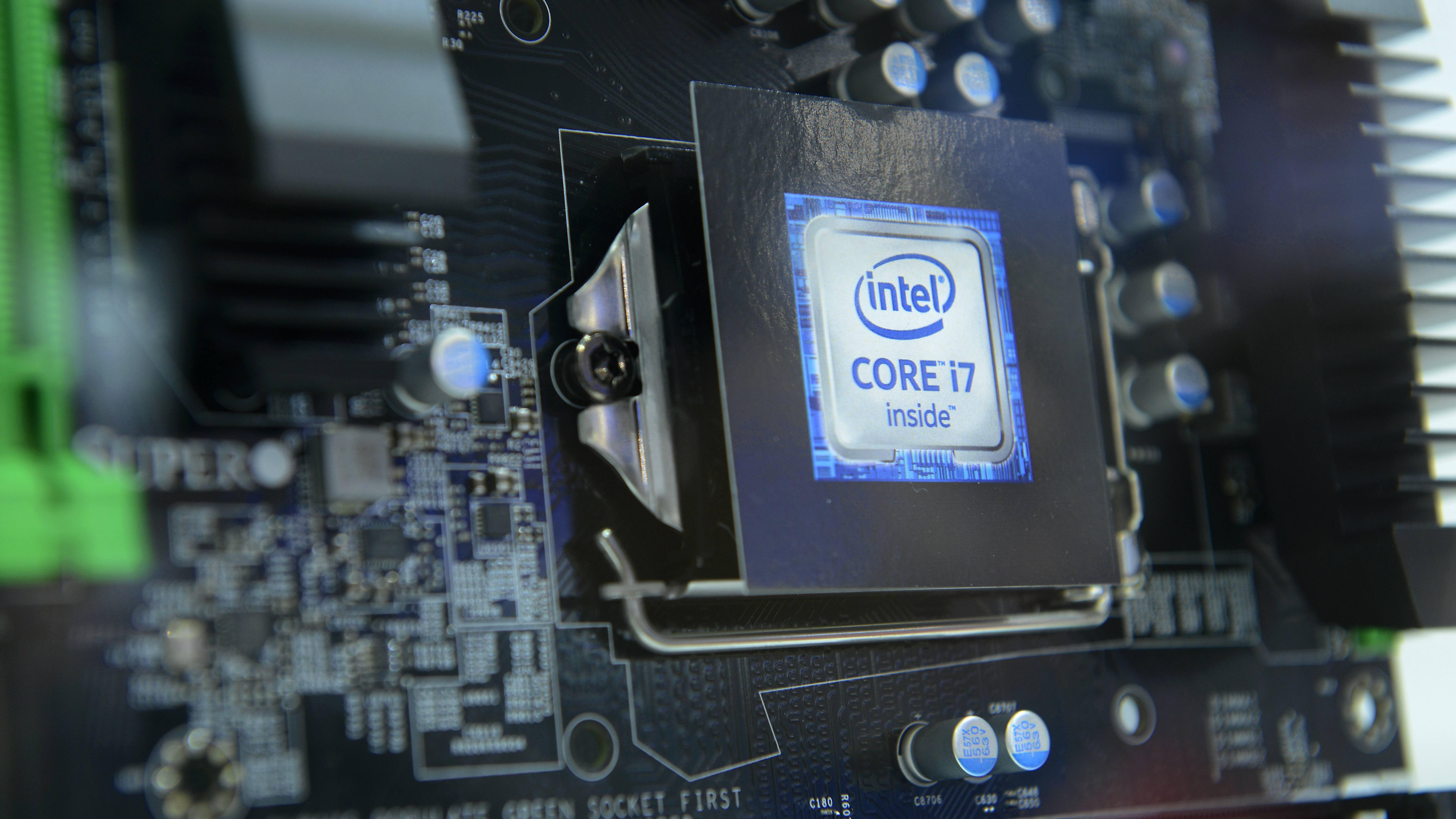 Die maximale Temperatur hängt auch vom Prozessor-Typ ab.