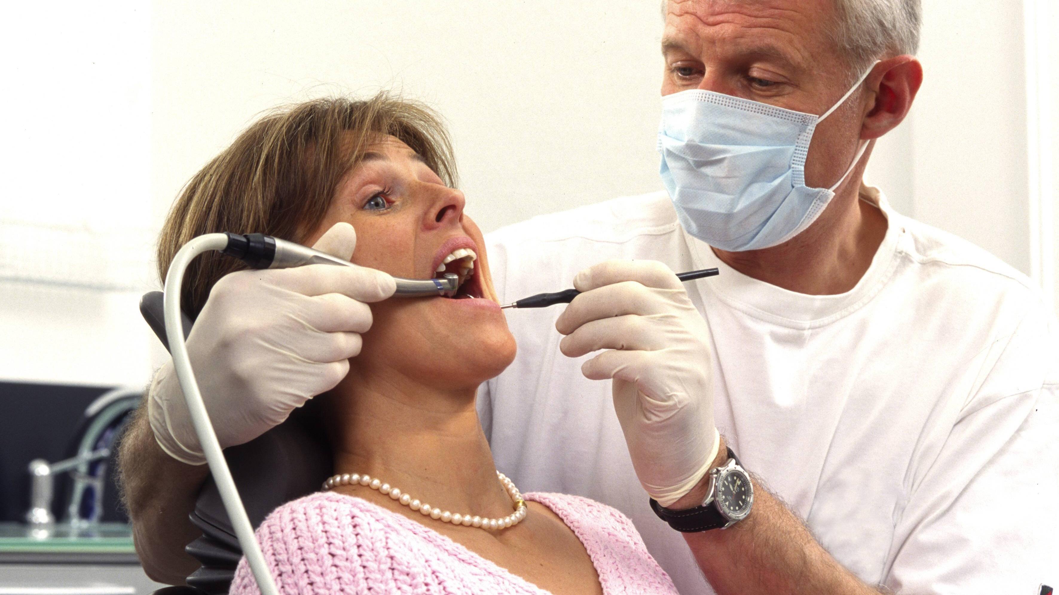 Zähne überkronen - der Ablauf folgt meistens den gleichen Schritten.