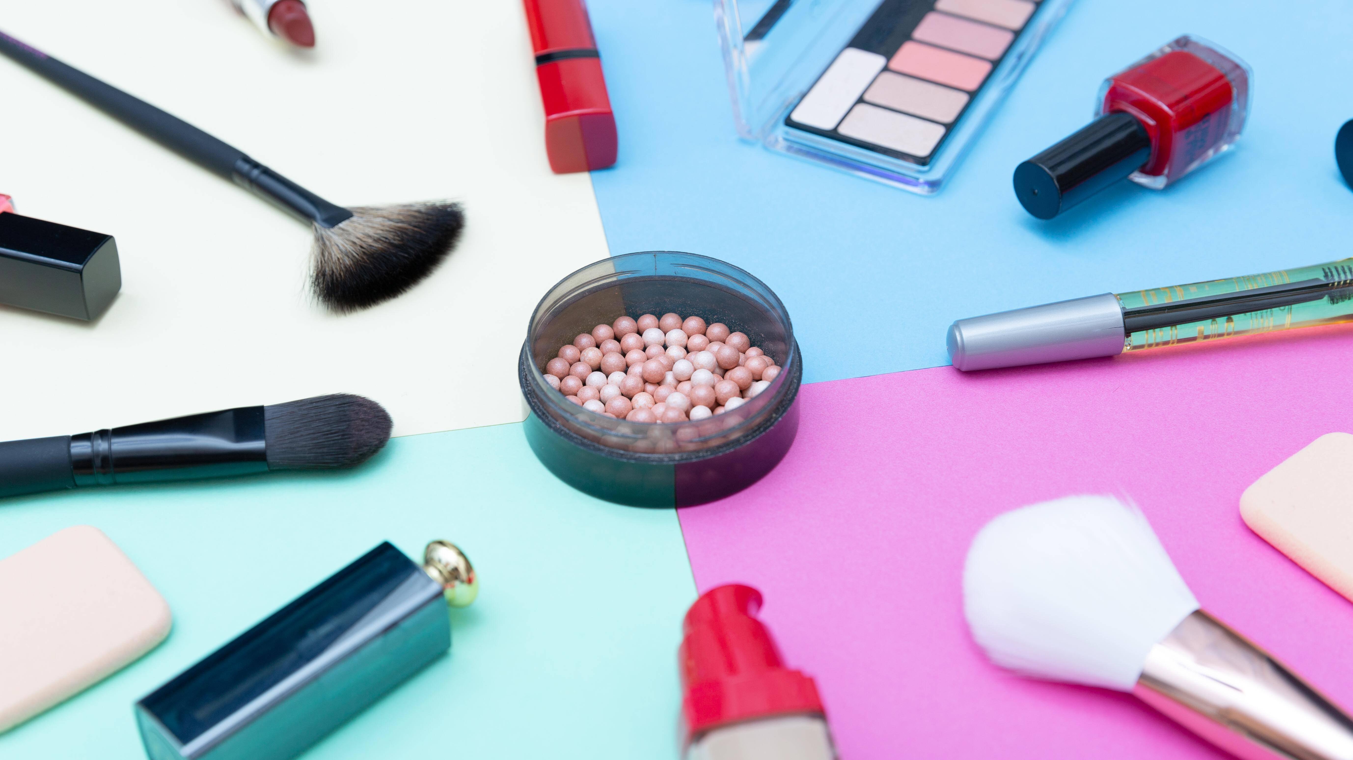 Haltbarkeit von Kosmetik: Wann Sie was wegwerfen sollten