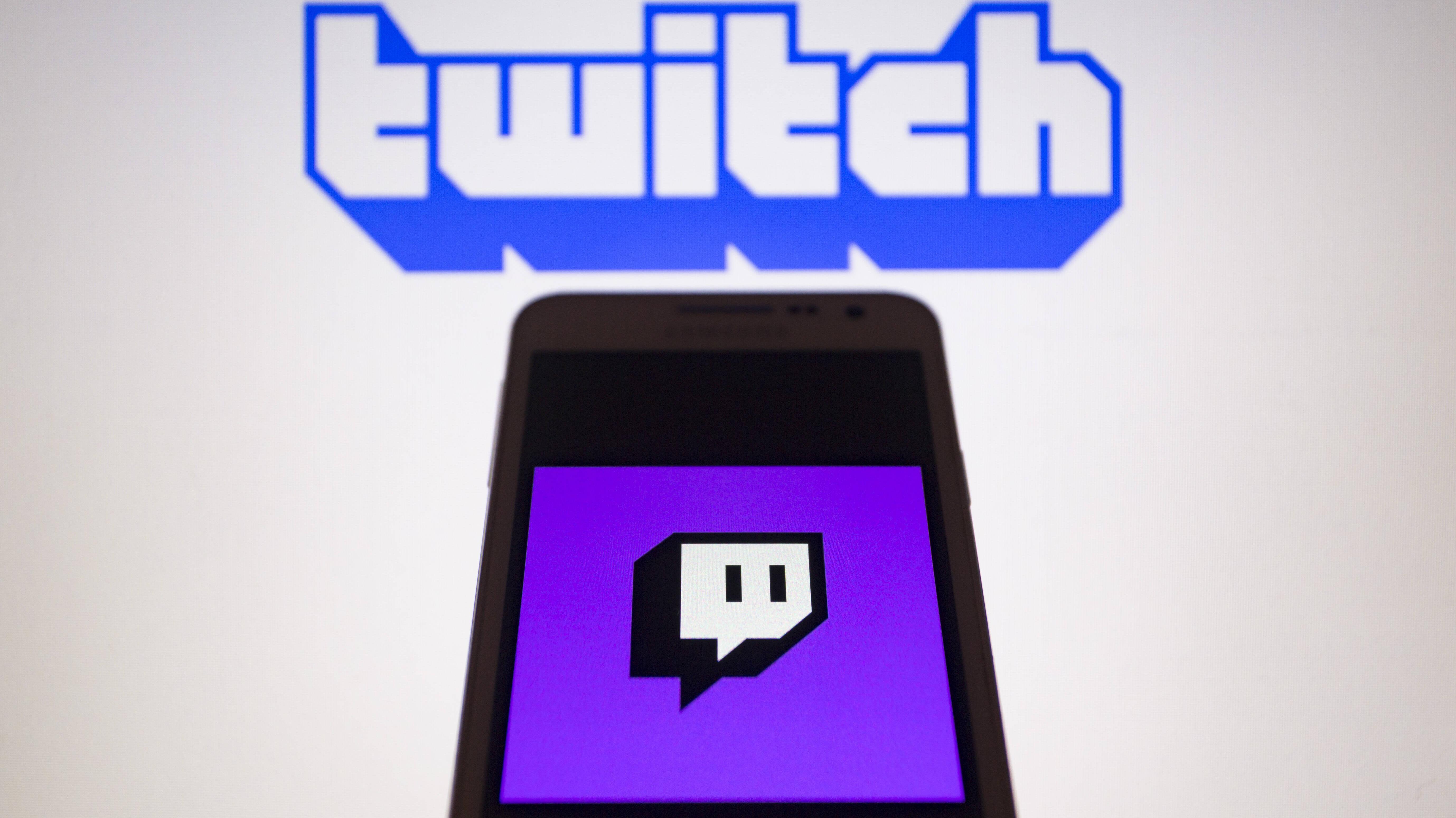 Earlicking ASMR: Das steckt hinter dem Twitch-Trend