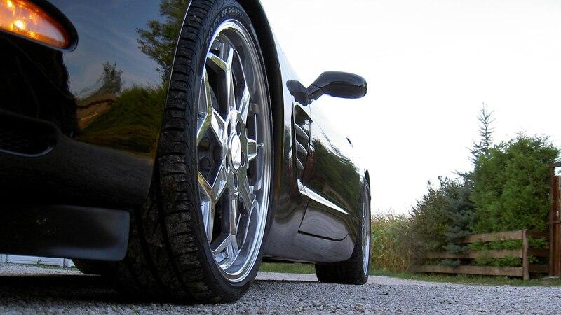 Was muss, das muss: So können Sie günstig neue Reifen kaufen.