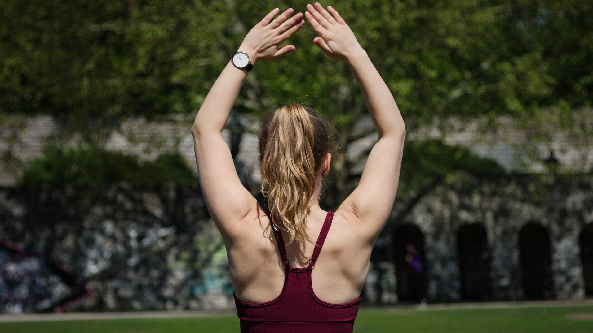 Übungen für die Rückenschule sind nicht so schwer wie sie aussehen