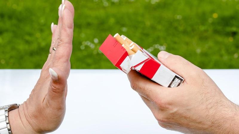 Mit dem Rauchen aufhören: Mit einigen Nebenwirkungen sollten Sie rechnen.