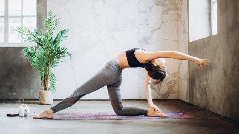 Es ist wichtig, die Yogamatte regemäßig zu reinigen.