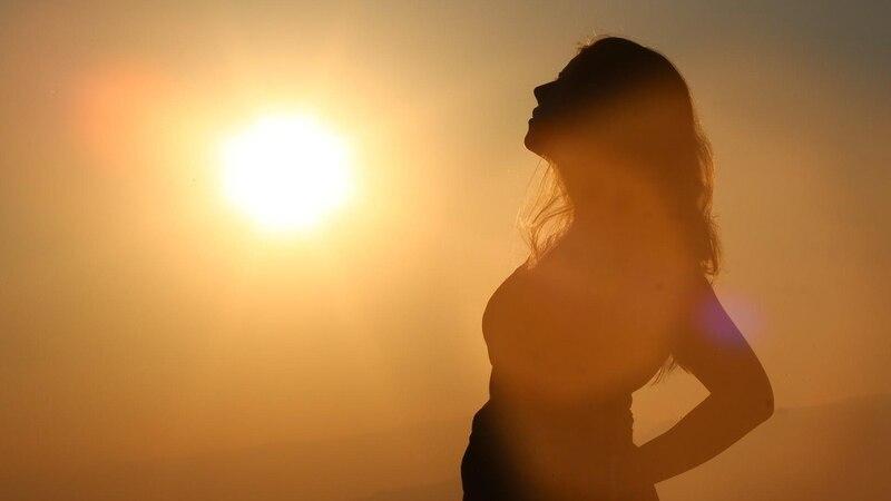 Schwanger im Sommer: So kommen Sie gut durch die heiße Jahreszeit