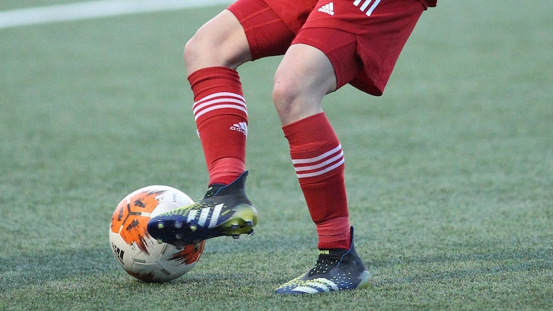 Fußballschuhe für Kunstrasen: Darauf sollten Sie unbedingt achten