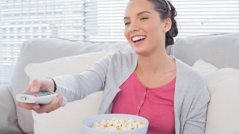 Gemütlicher Filmabend: Hier können Sie kostenlos und legal Filme herunterladen
