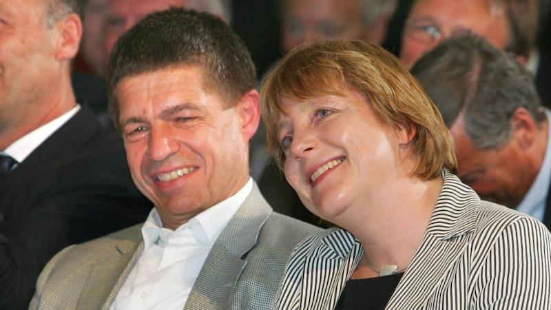 Das Ehepaar Merkel und Sauer lernte sich an der Akademie der Wissenschaften in der DDR in Berlin-Adlershof kennen und lieben.