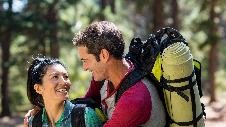 Für Unternehmungen am Sonntag bieten sich verschiedene Outdoor-Aktivitäten wie Wandern an.