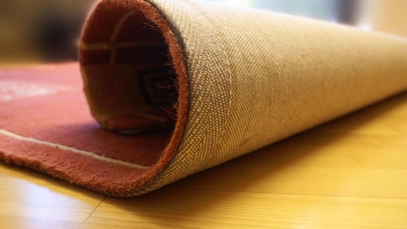 Teppich rutscht: Das können Sie dagegen tun