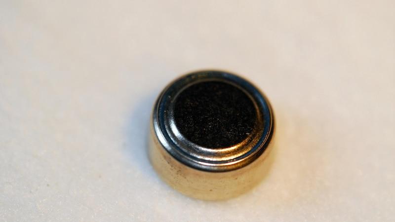 Uhrenbatterie wechseln - eine Anleitung