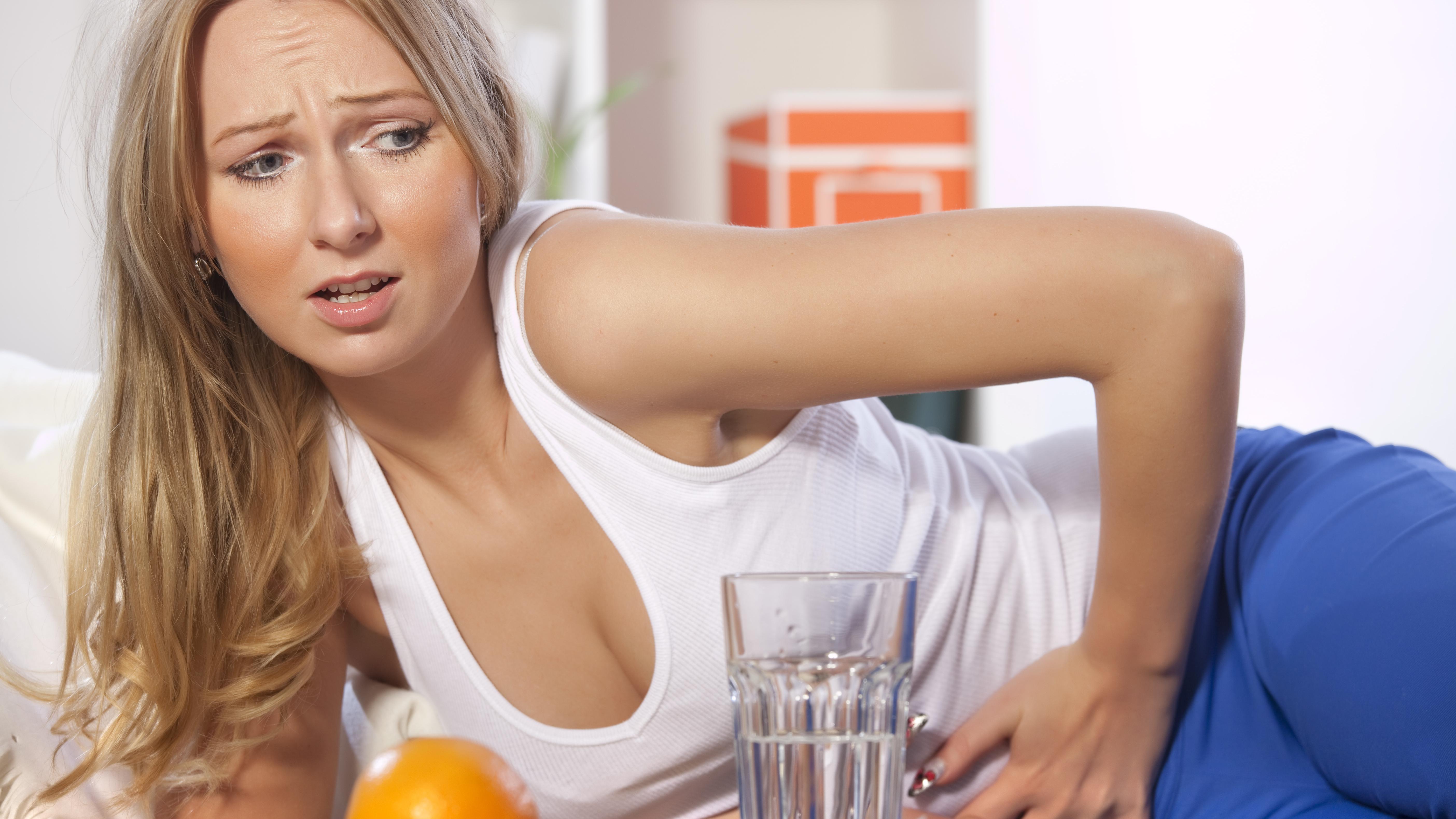 Völlegefühl nach wenig Essen: Daran kann's liegen