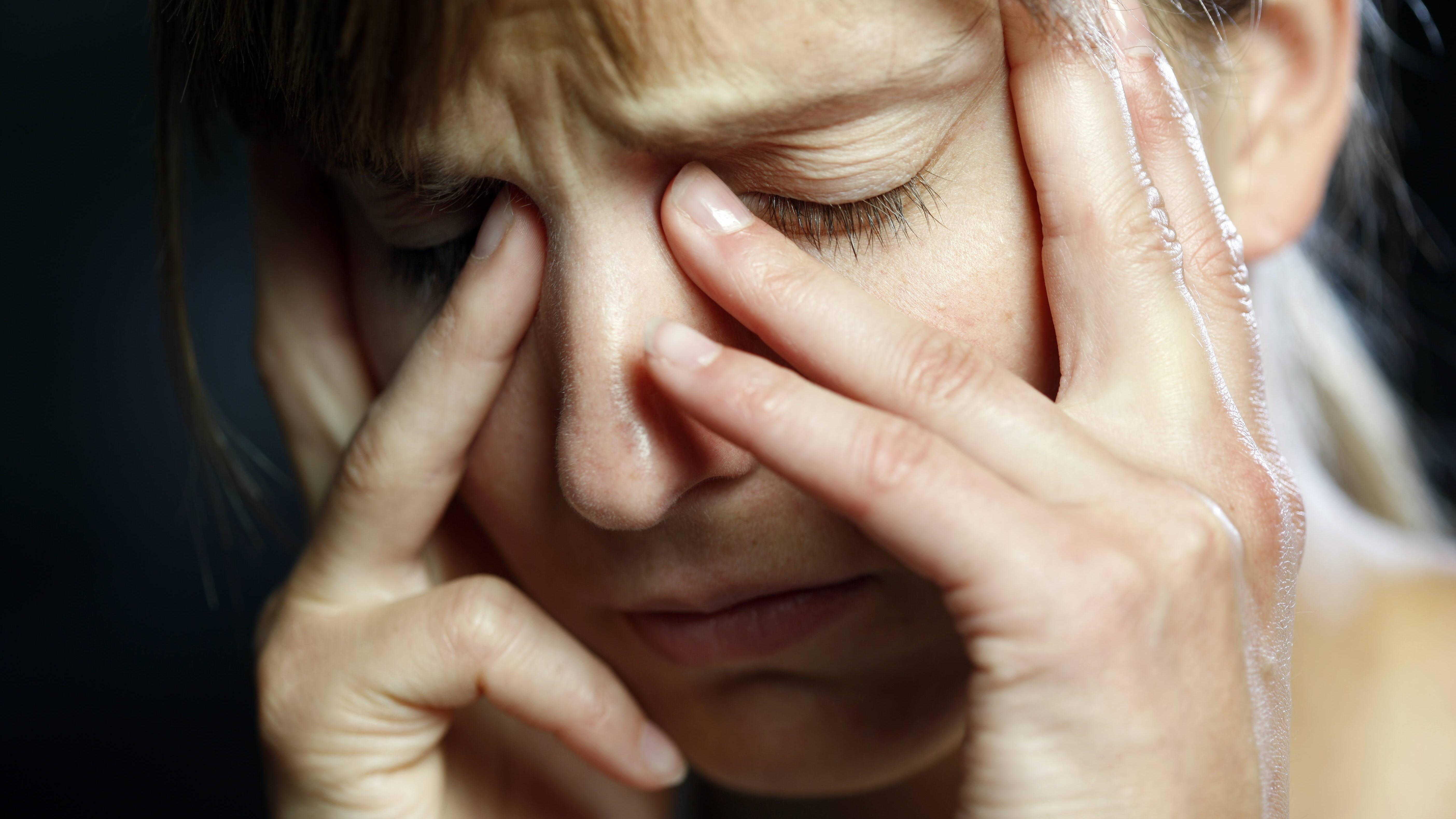 Brummen im Kopf: Das können die Ursachen sein
