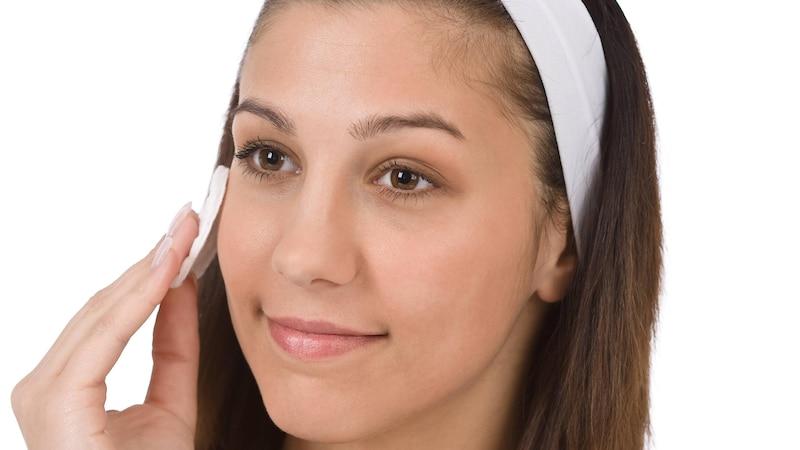 Was hilft gegen Akne? Die 7 besten Tipps und Hausmittel