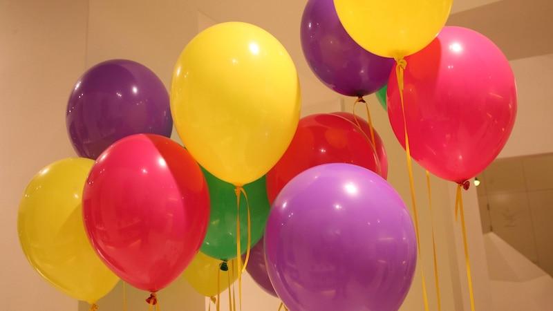 Lustige Partyspiele: 5 tolle Ideen, die Spaß versprechen