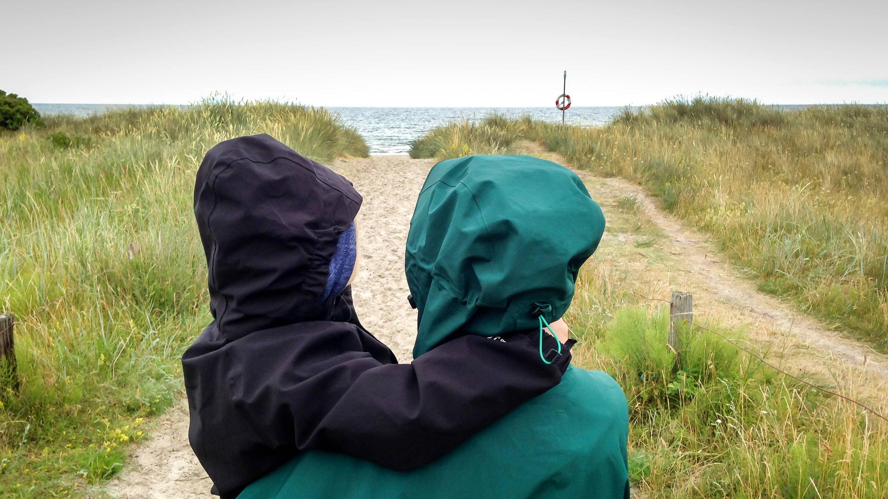 Mit Imprägnierspray imprägnieren Sie im Handumdrehen Ihre Regenjacke.