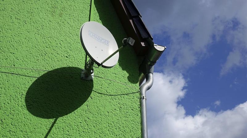 Satellitenschüssel ausrichten: Tipps für ein starkes Signal