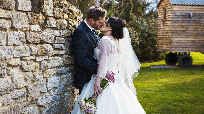 Mit einer guten Planung wird Ihre Hochzeit im Garten zum Erfolg.