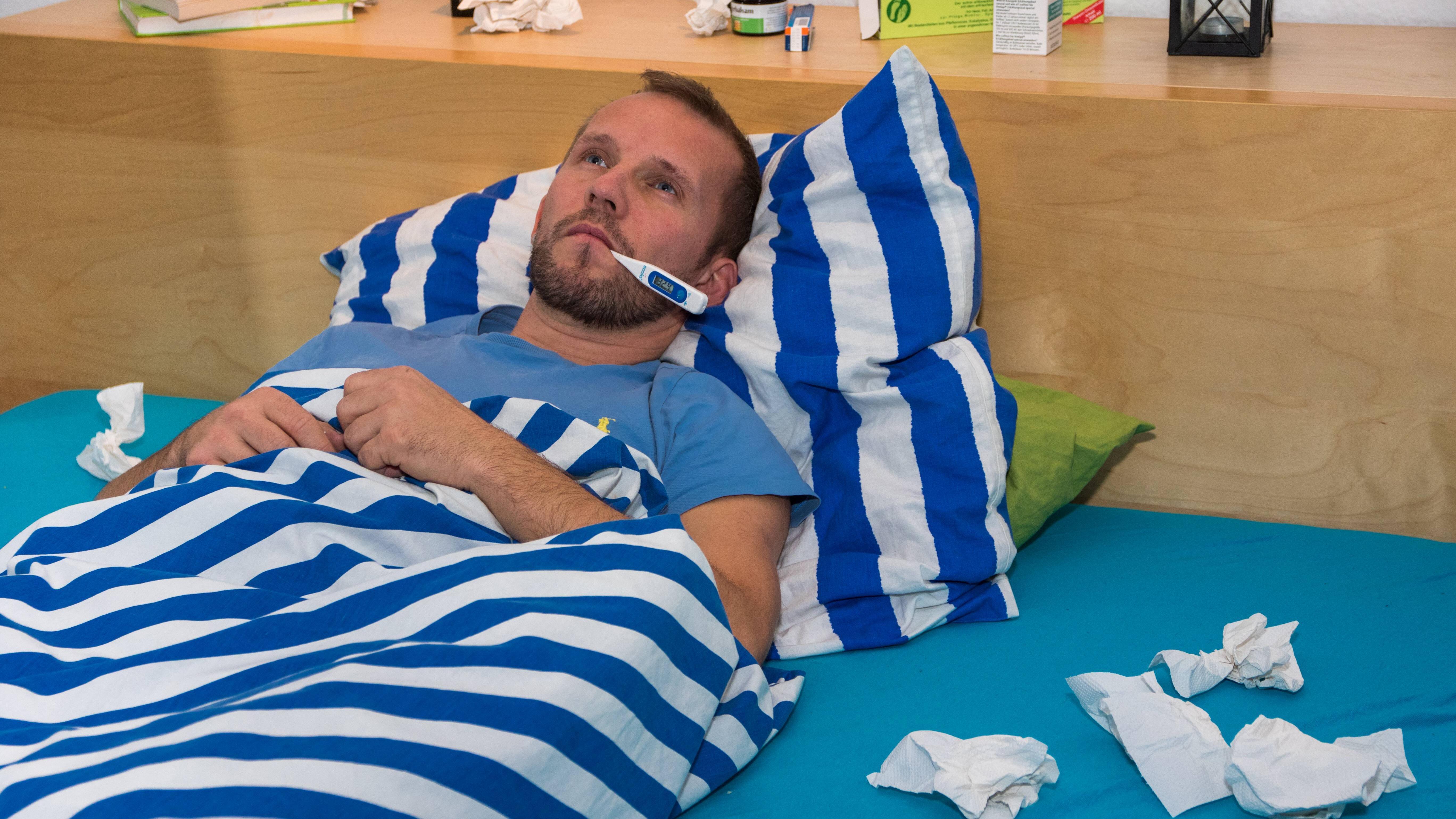 Unterscheiden Sie zwischen Grippe und Erkältung.