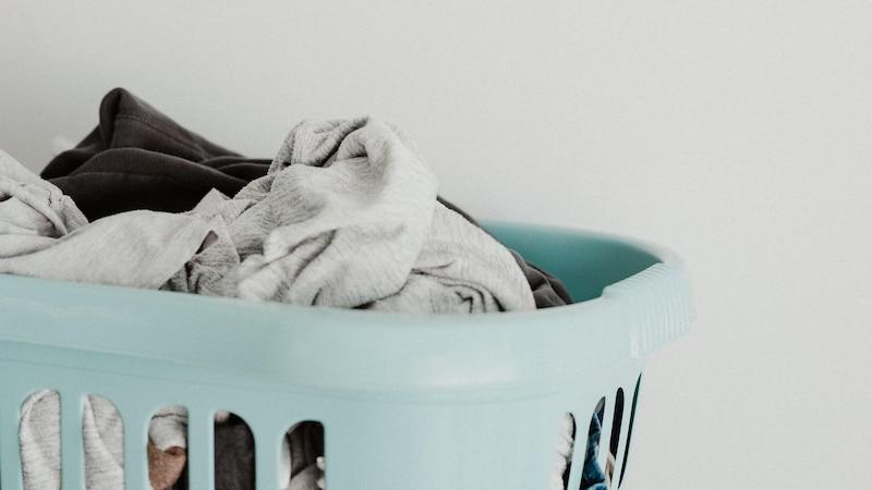 Wäsche müffelt: So vermeiden Sie den unangenehmen Geruch
