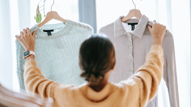 Die Entscheidung, welches Outfit man tragen sollte, fällt einem oft schwer.