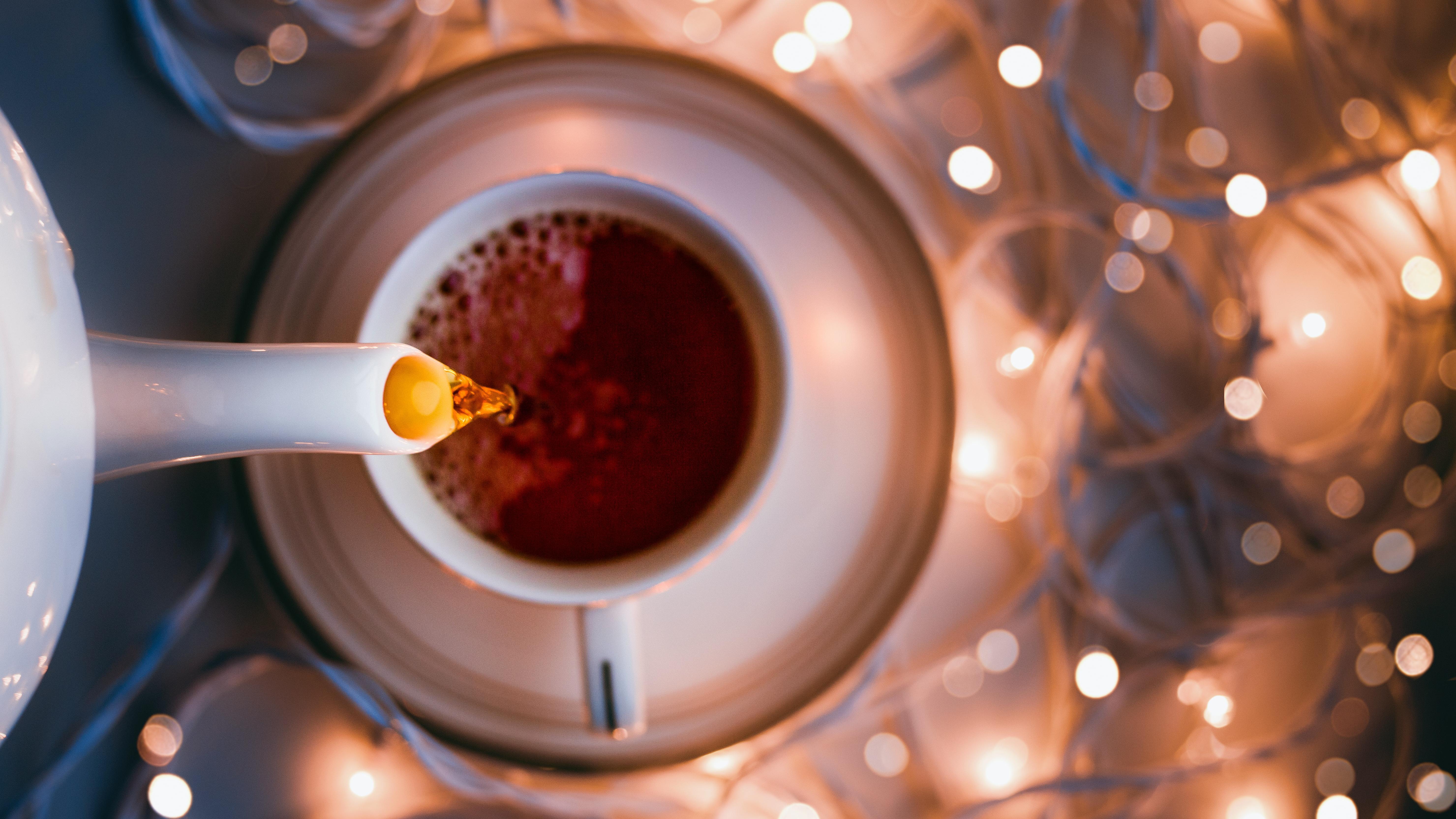 Weihnachtstee selber machen: Diese Zutaten harmonieren am besten