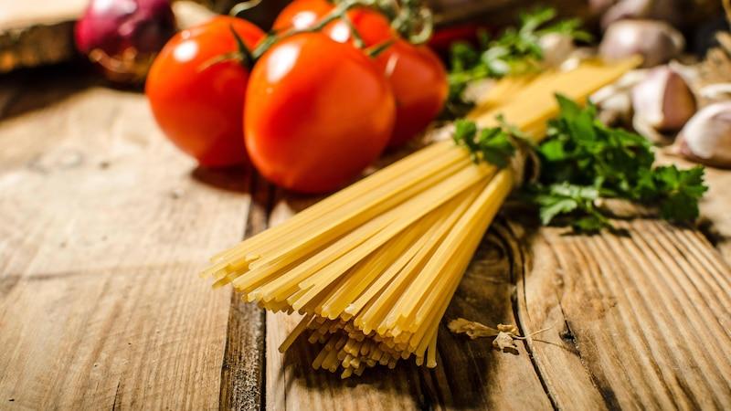 Nudeln mit Tomatensauce: Der leckere Klassiker für die ganze Familie