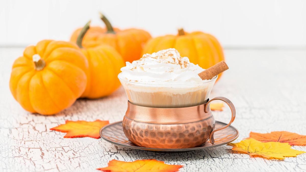 Ein herbstlicher Pumpkin Spice Chai Latte