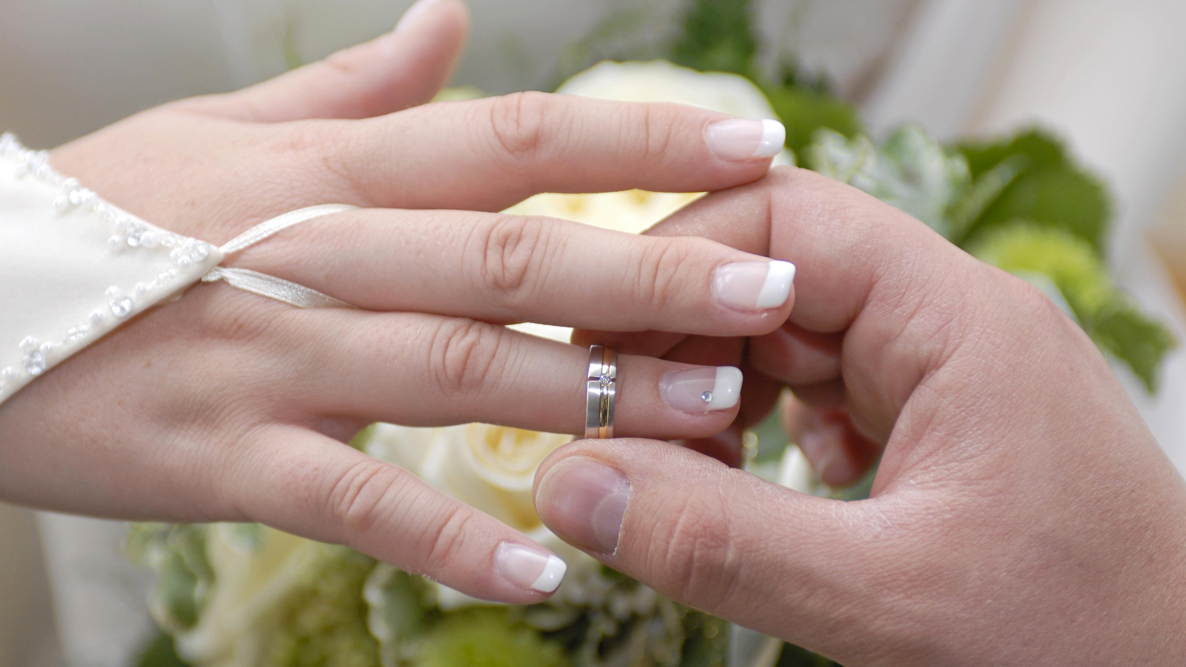 Nach wie vielen Jahren sollte man heiraten: Beziehungsdauer und Alter im Überblick